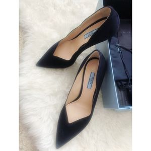 NWT Prada scallop suede pumps for Sale in Columbus, OH