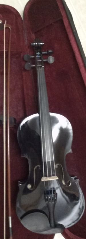 Brand New black violin with case, bow and Rosin for Sale in Mt. Juliet, TN