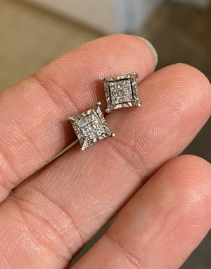 Diamond earrings! for Sale in San Diego, CA