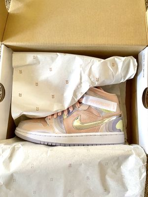 Air Jordan 1 Mid P(her)spective Size 6W DS for Sale in Los Angeles, CA