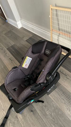 EVENFLO INFANT CARSEAT + BASE - 50$ for Sale in Richmond, VA