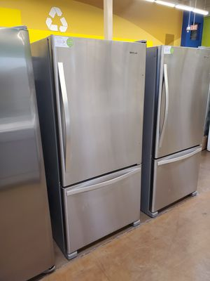 Whirlpool Bottom Freezer Refrigerator for Sale in Fullerton, CA