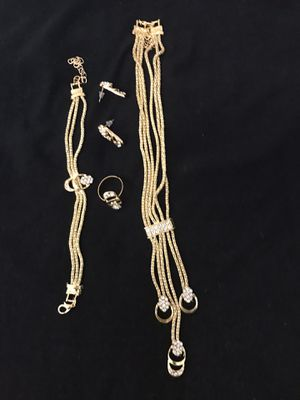 5 pc set ladies custom jewelry with cz adjustable size still available for pick up in Gaithersburg md20877 for Sale in Gaithersburg, MD