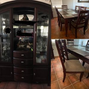 Cabinet and table/ chair for Sale in Dallas, TX