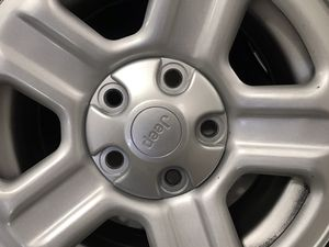 4 P225/75r16 Goodyear wrangler tires 95% like new with jeep rims like new for Sale in Hialeah, FL