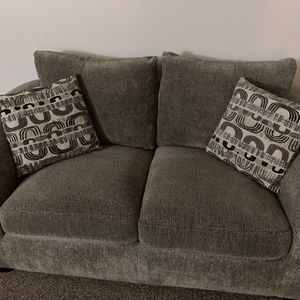2 Person couch, Grayish Charcoal for Sale in Tacoma, WA