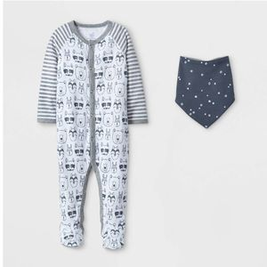 Footed Onesie with Bandana Bib NWT for Sale in San Diego, CA