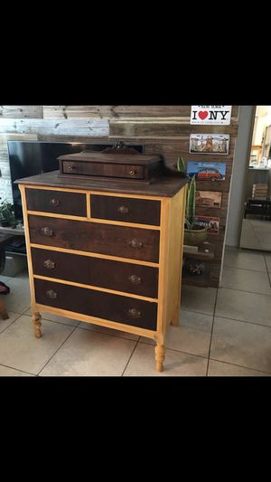 Gorgeous Antique Dresser for Sale in Miami, FL