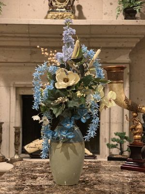 Custom artificial flower arrangement for Sale in San Antonio, TX