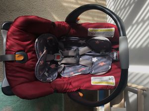 Chicco keyfit and base for Sale in Beaufort, SC