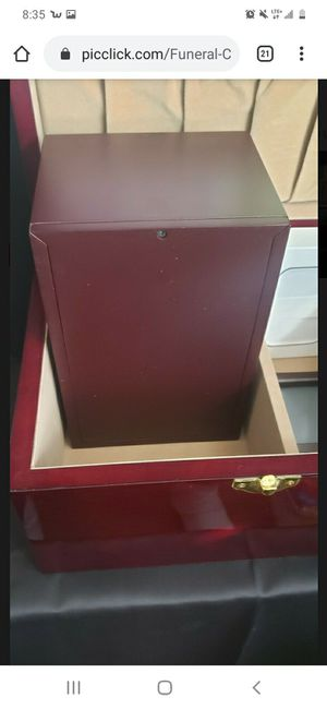 Memento urn cherry for Sale in Stockton, CA