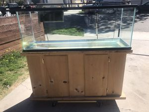 60 gallon glass fish tank complete for Sale in Long Beach, CA