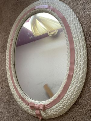 Off white and pink mirror for Sale in Kissimmee, FL