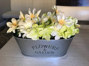 Decoration flower pot for Sale in Madera, CA