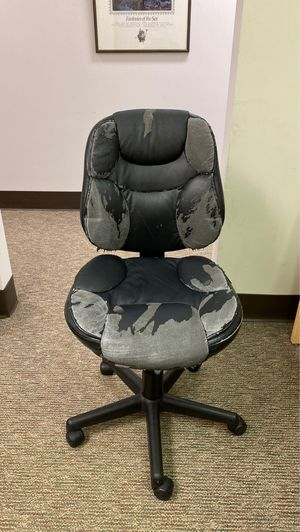 Spinning office chair for Sale in Kirkland, WA