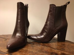 Steve Madden Subtle Embosses Chleasea Boot Size 8M- New w/o Box- Awesome Shoes! for Sale in Atlanta, GA