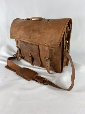 Very nice Komals Passion Leather Messenger bag, briefcase. for Sale in Mesa, AZ