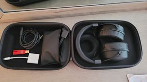 beyerdynamic dt 1770 pro with dragon fly red and apple adapter with case for Sale in Tustin, CA