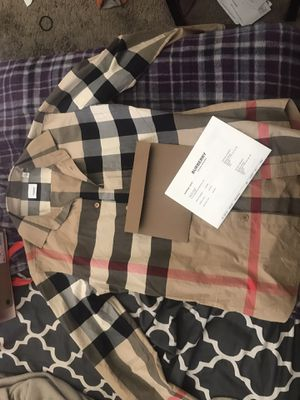 Small Burberry shirt for Sale in Alameda, CA