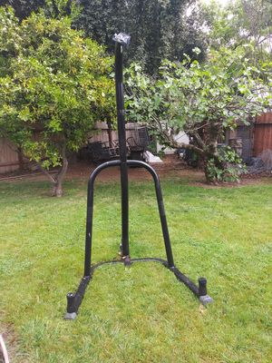 Everlast punching bag stand OBO for Sale in Stockton, CA