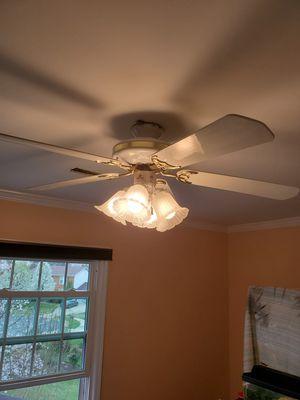 Free white ceiling fan w lights! for Sale in Sterling, VA