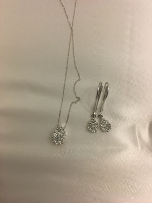 14k Pear shaped Diamond Pendant with Earring for Sale in Bowie, MD