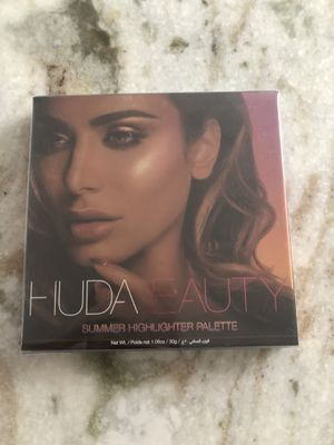 Makeup, highlighter palette for Sale in North Providence, RI