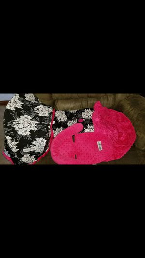 Baby girl car seat set for Sale in Depew, NY
