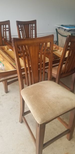 4 chairs dining table for Sale in San Diego, CA