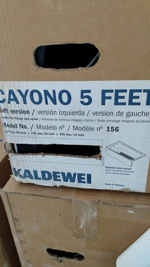 5 ft cayono steel tub left side, by kaldewei for Sale in Snellville, GA