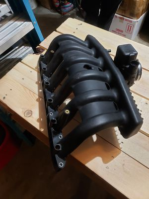 M50? Intake Manifold W/throttle body for Sale in Fort Lauderdale, FL