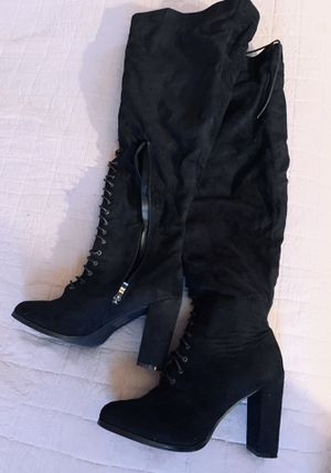 Fashion to figure lace up boots size 9 for Sale in South Hempstead, NY