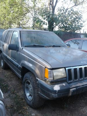 97 Grand Cherokee Laredo for Sale in Dallas, TX