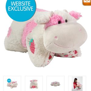 Pillow Pet Sweet Scented Strawberry Cow for Sale in Baldwin Park, CA