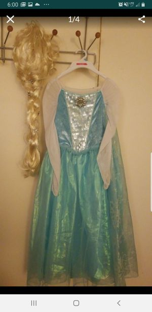 """8T """"Let it go"""" playing Elsa Disney dress with wig for Sale in Fullerton, CA"""