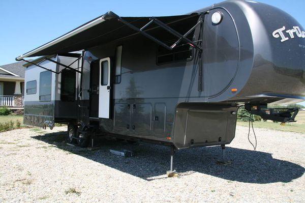 2012 Dynamax Triology 3800D3 38ft 5th wheel OBO