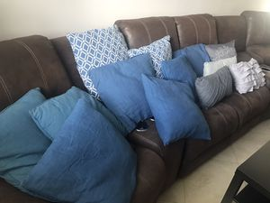13 Pillows for Sale in Homestead, FL