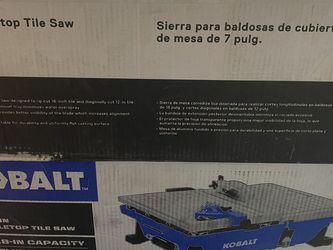 """Kobalt 7"""" 6amp Wet Tabletop Sliding Tile Saw for Sale in Hoschton,  GA"""