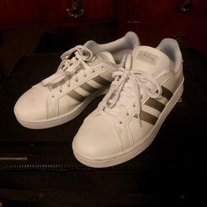 Adidas Cloudfoam Advantage Stripe- women's 9 shoes sneakers for Sale in Largo, FL
