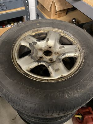 Toyota Highlander Wheels and Tires 225/70/16 for Sale in Addison, IL