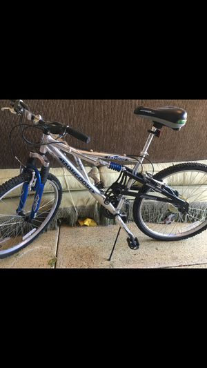 Mongoose Mountain bike, Full suspension front & back, tires like new, Custom Schwinn Air cushioned seat, works perfect, in great shape, $300+ new for Sale in Henderson, NV