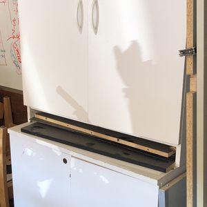 2 White Book Shelf Cabinets $25 2 For $40 for Sale in Aurora, CO