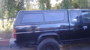"Pick up truck Shell, fits my 95' Nissan 4x4, 75"" x 60"" for Sale in Klamath Falls, OR"