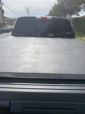 Ford F-150 Tri-Fold Used Bed Cover Short bed 6.5ft for Sale in Santa Fe Springs, CA