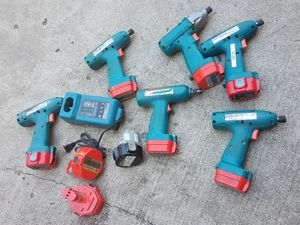 6 Makita Impact drill - 9.6v; one battery charger; 2 extra batteries for Sale in Roselle, IL