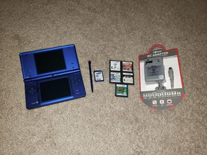 Metallic Blue Nintendo Dsi w/ 5 games & 4gb memory card for Sale in Hampton, VA