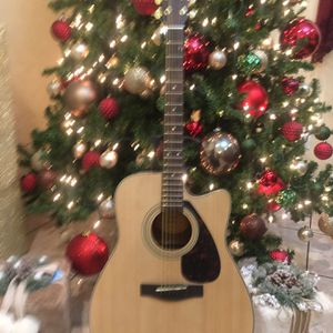 Yamaha FX335C Electric Acoustic Guitar for Sale in Bell, CA