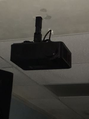 Projector for Sale in Kissimmee, FL