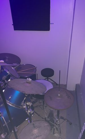 Ludwig 6 piece drum set w 6 Zildjian cymbals for Sale in Pittsburgh, PA