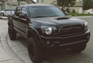 FOR SALE 4WD 2007 Toyota Tacoma Awesome Tractioon for Sale in Paterson, NJ